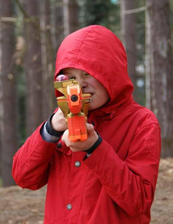 lasershooting rode jongen