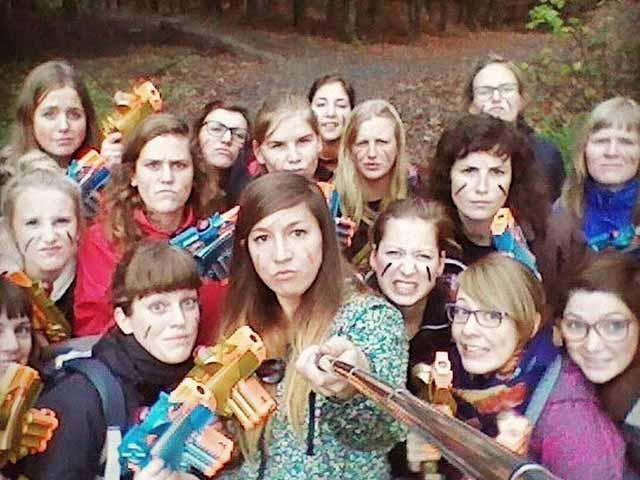 lasershooting teambuilding meisjes groep